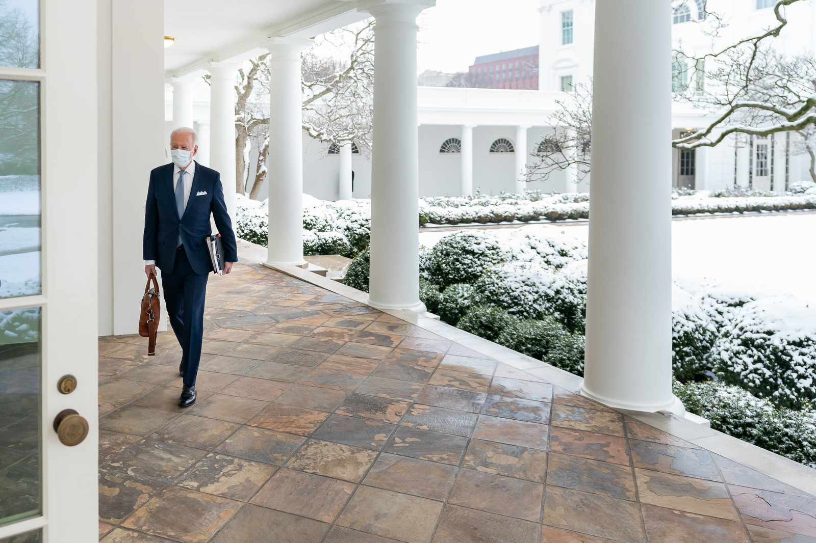 PATRICK LAWRENCE: Biden's Missing Link with Europe